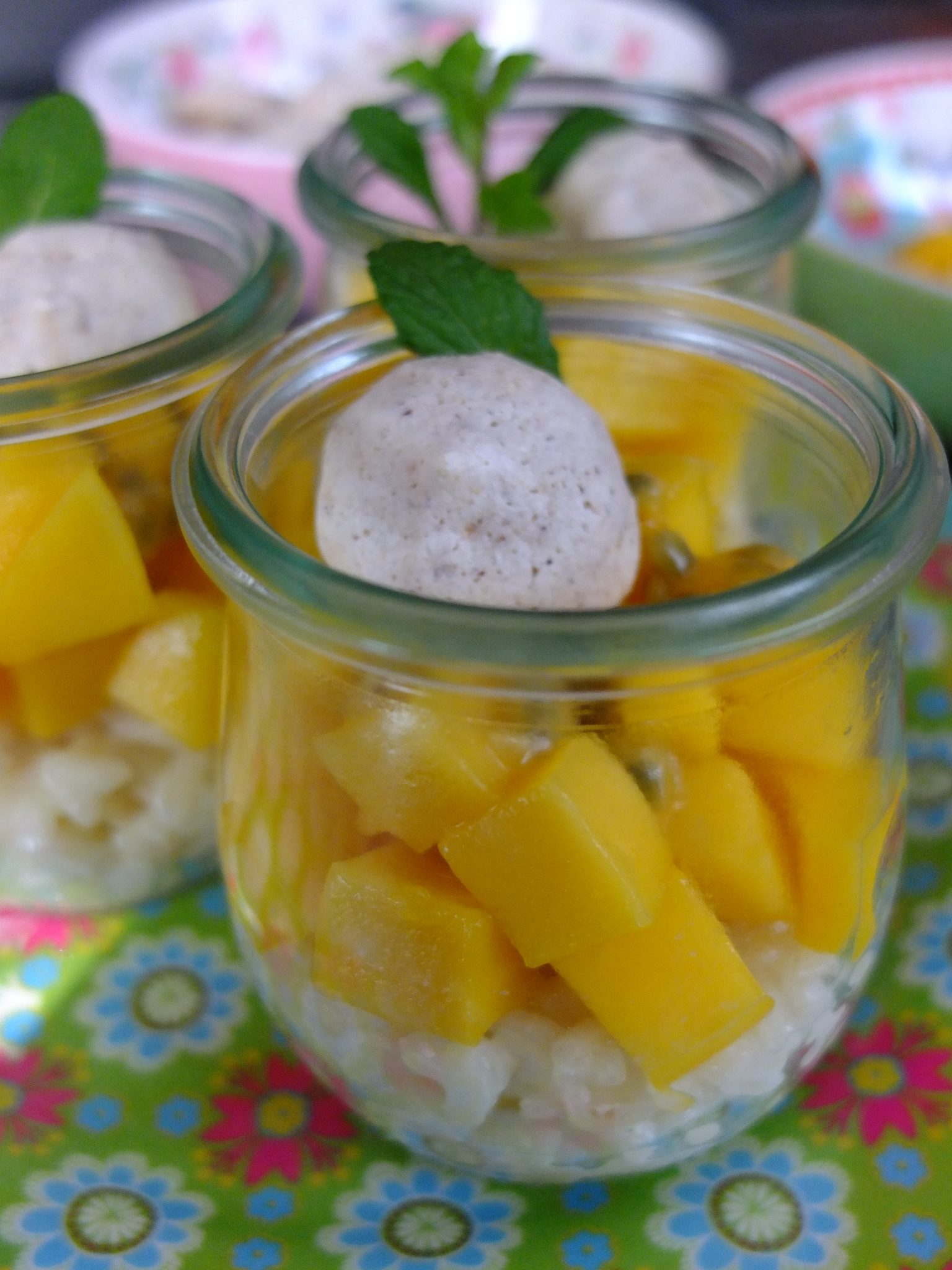 milchreis trifle mit mango passionsfrucht und selbst. Black Bedroom Furniture Sets. Home Design Ideas